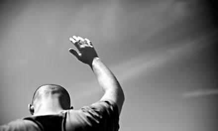 Adoración autentica en la Iglesia por Jason Kenney